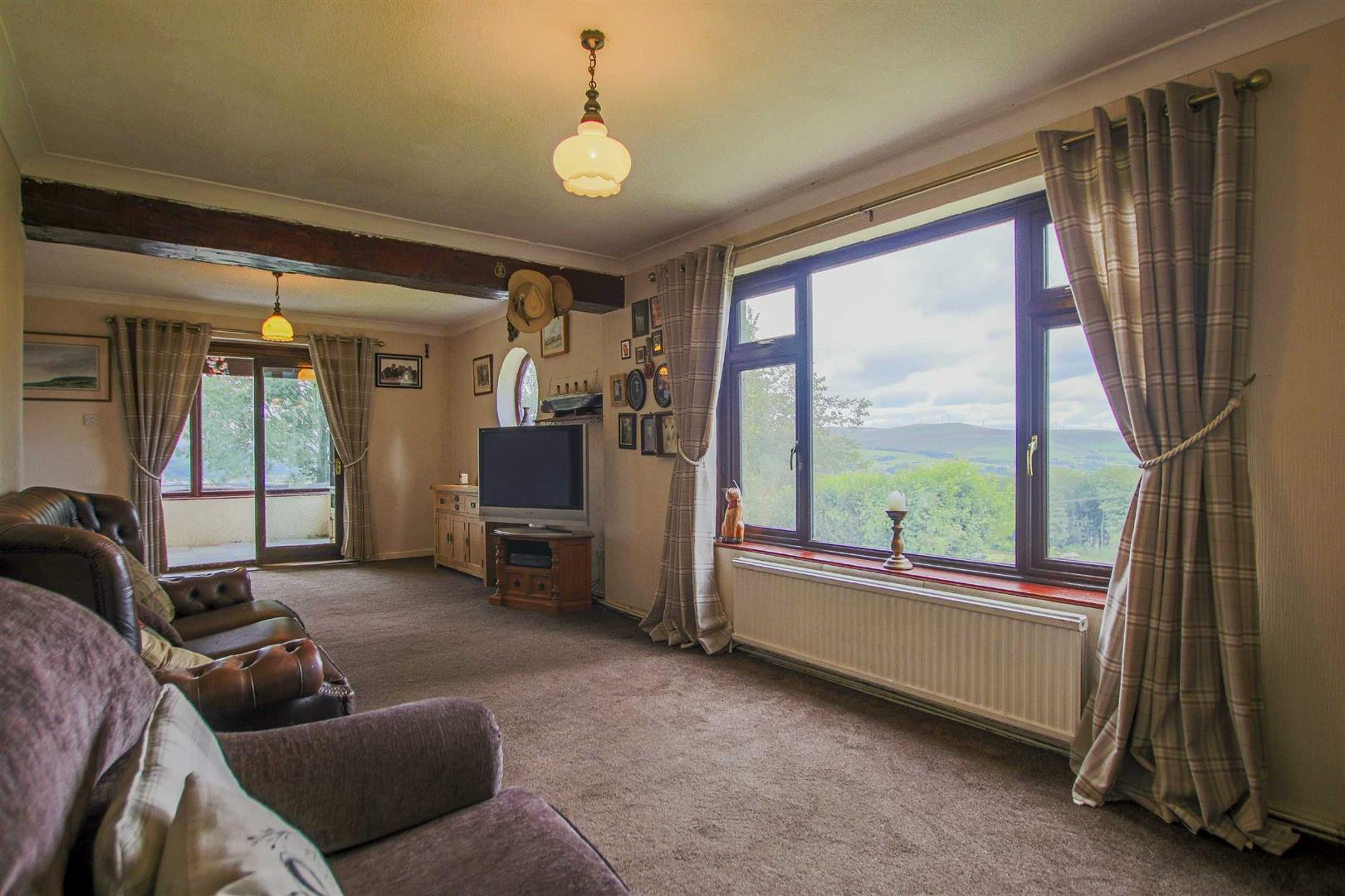 4 Bedroom Semi-detached House For Sale - Image 10
